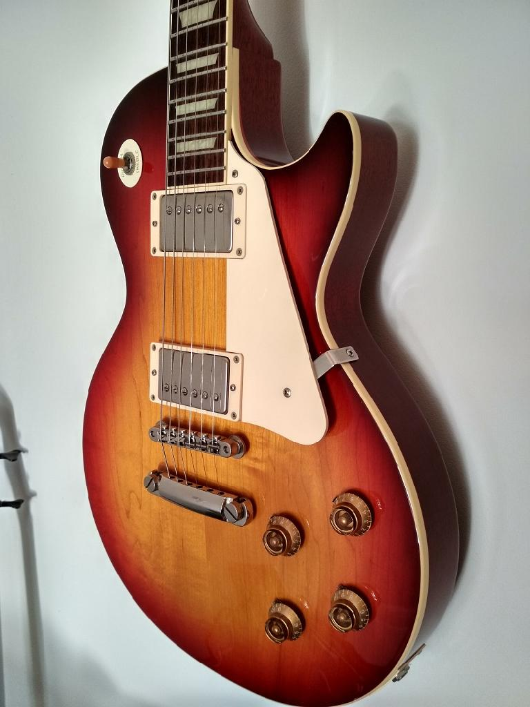 http://www.guitarsmadeinjapan.fr/forums/img/gallery/143262_1555599335.jpg
