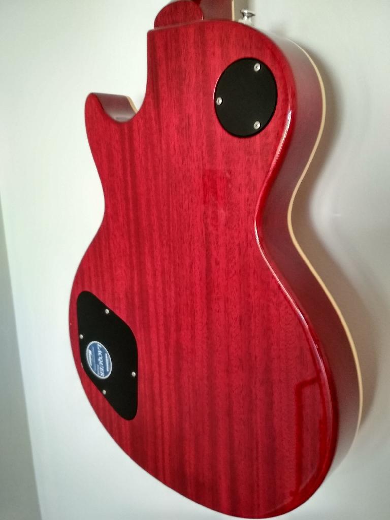 http://www.guitarsmadeinjapan.fr/forums/img/gallery/143262_1556473760.jpg