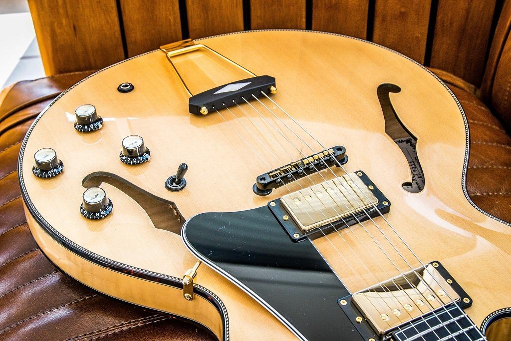http://www.guitarsmadeinjapan.fr/forums/img/gallery/143262_1561669742.jpg