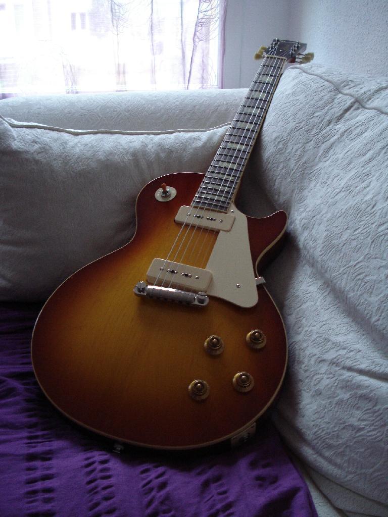 http://www.guitarsmadeinjapan.fr/forums/img/gallery/321_1325345762.jpg