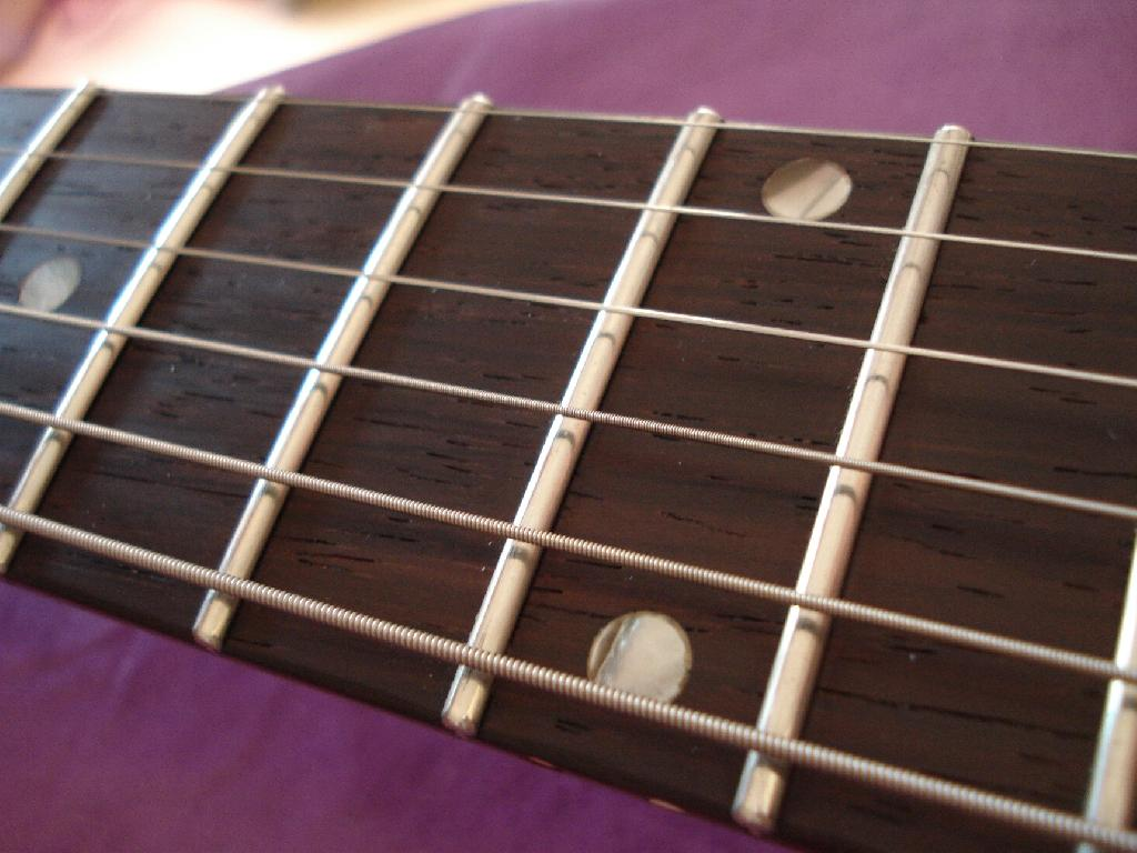http://www.guitarsmadeinjapan.fr/forums/img/gallery/321_1338310683.jpg