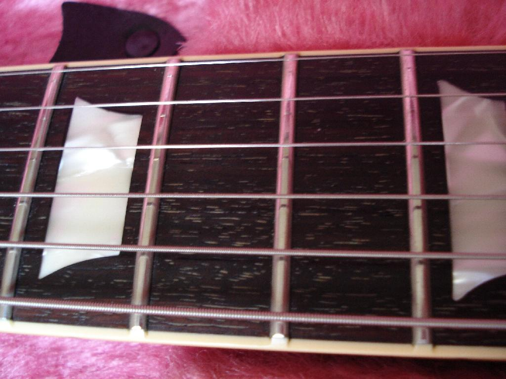 http://www.guitarsmadeinjapan.fr/forums/img/gallery/321_1373219334.jpg