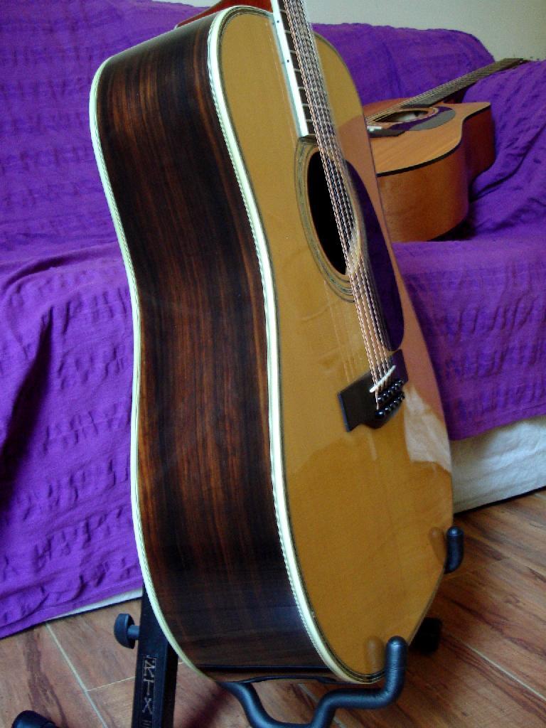 http://www.guitarsmadeinjapan.fr/forums/img/gallery/321_1402582015.jpg