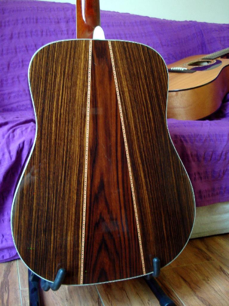 http://www.guitarsmadeinjapan.fr/forums/img/gallery/321_1402582067.jpg
