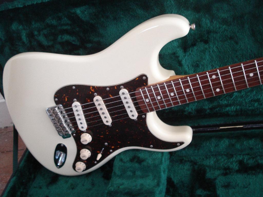 http://www.guitarsmadeinjapan.fr/forums/img/gallery/321_1536490351.jpg