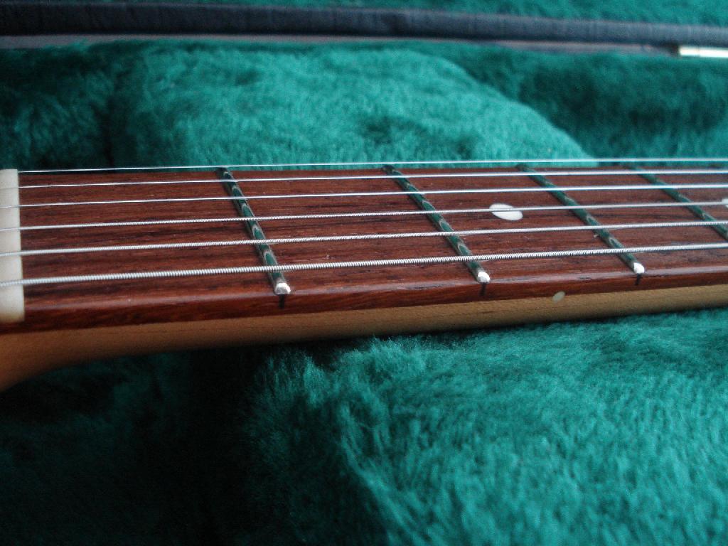 http://www.guitarsmadeinjapan.fr/forums/img/gallery/321_1536490544.jpg