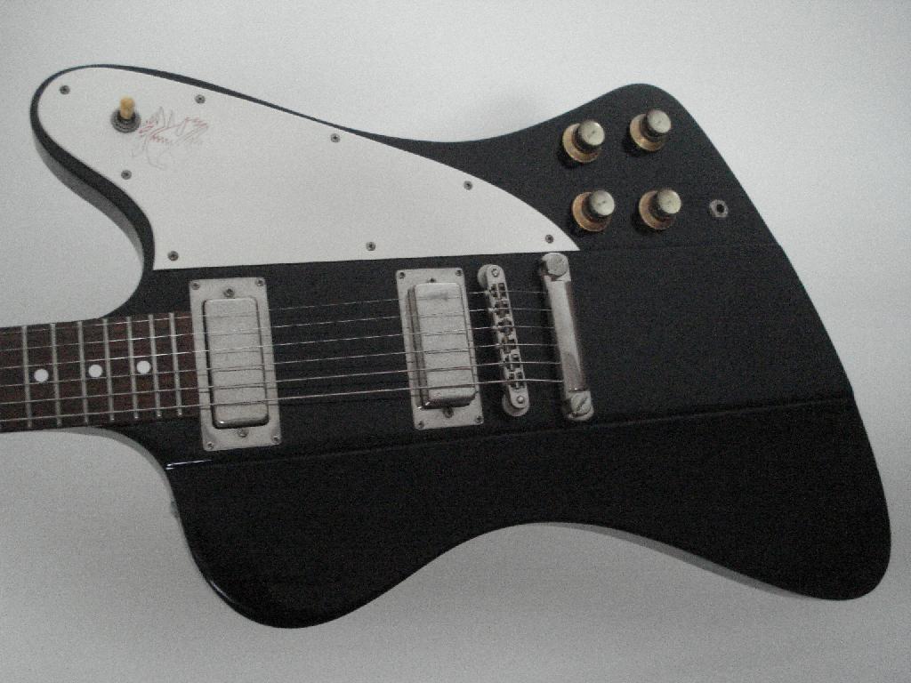 http://www.guitarsmadeinjapan.fr/forums/img/gallery/321_1536506447.jpg