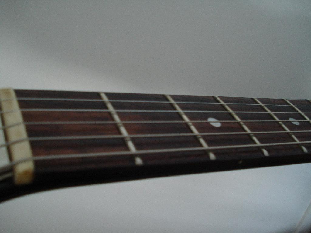 http://www.guitarsmadeinjapan.fr/forums/img/gallery/321_1536509592.jpg