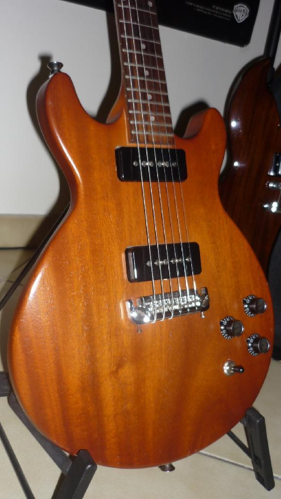 http://www.guitarsmadeinjapan.fr/forums/img/gallery/484_1258492806.jpg