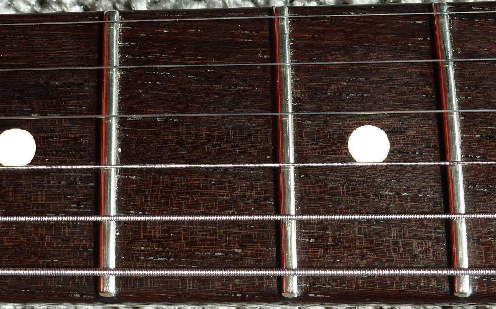 http://www.guitarsmadeinjapan.fr/forums/img/gallery/484_1594328050.jpg